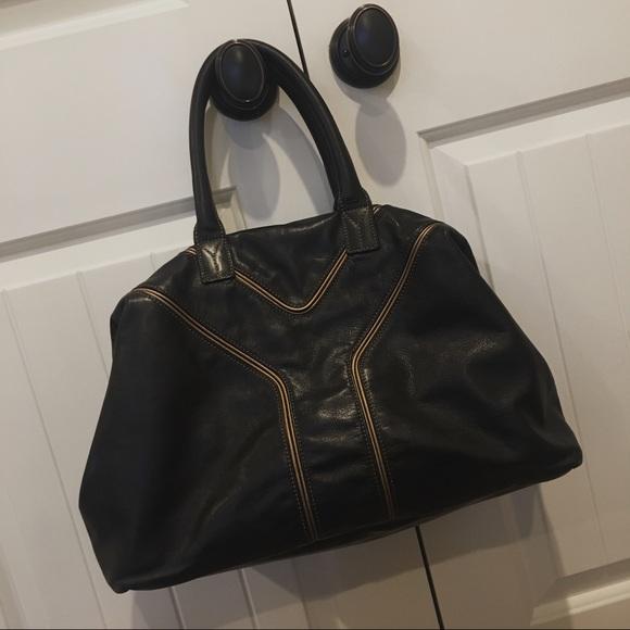 Yves Saint Laurent  Easy  Bag. M 5b15ce8a6a0bb73d4c1b83e4 4f69a7a338257